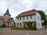 Kirche und Haus .. irgendwo